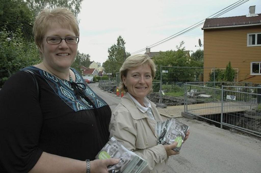 Trine Skei Grande (t.v.) og May-Brith Døssland tror husbesøk har en effekt. Foto: Karl Andreas Kjelstrup