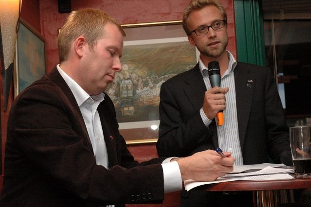 Håkon Haugli (Ap) og Nikolai Astrup (H) var uenige om mangt, men holdt høyt saklighetsnivå. Foto: Vidar Bakken