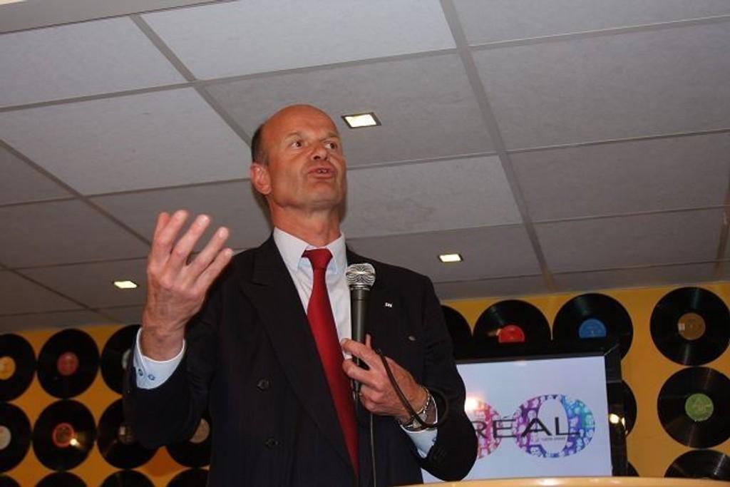– En veldig viktig kampanje, sier president i Norges Røde Kors Sven Mollekleiv. Her fra Cafe Condio på Majorstuen.