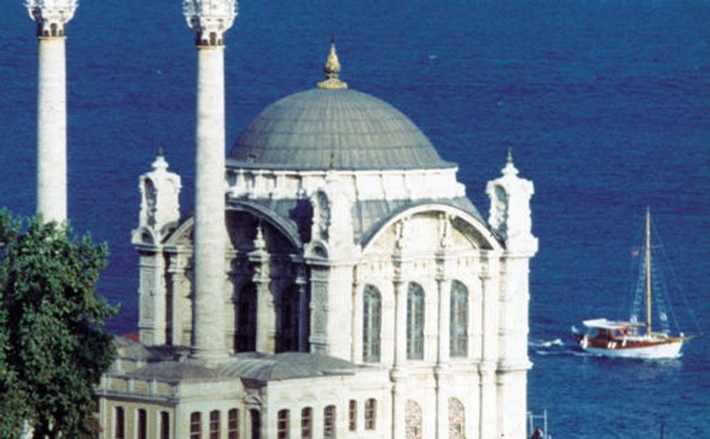 Overlege Bjørn Iversen fra Nedre Bekkelaget gleder seg til å se vakre Istanbul. Han oppfordrer alle til å reise som før uavhengig av svineinfluensaen.