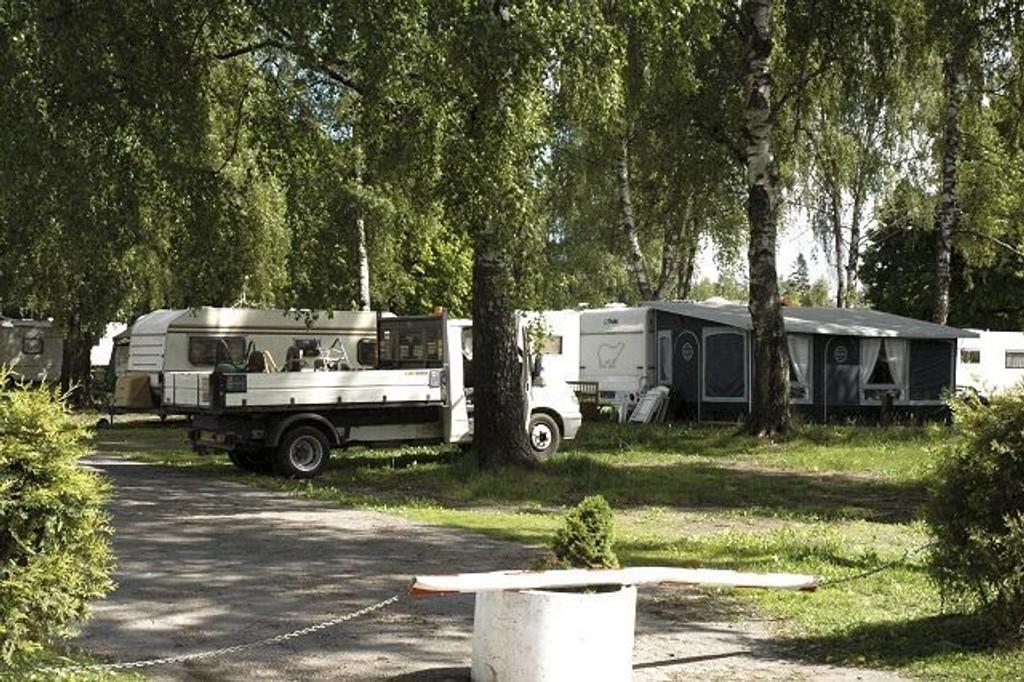 Sjef ved Majorstua politistasjon, Bjarne Solberg mener frykten for irske travellers som her ved Bogstad camping, er overdreven. Han råder heller folk til å si nei når de tilbyr sine tjenester.