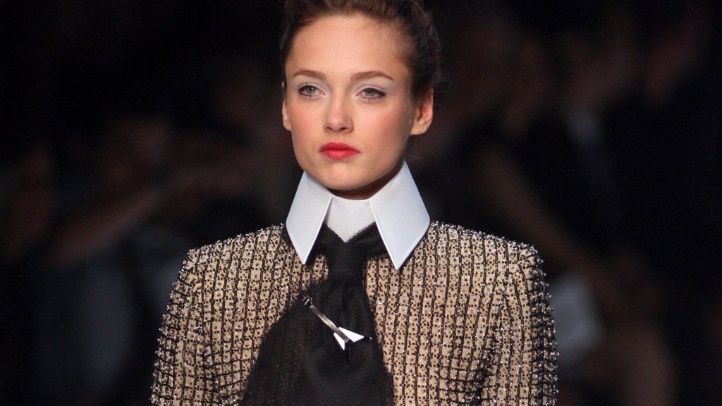 SLIPS: Lagerfeld med feminin herrestil.