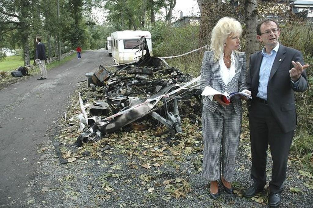 Elin Horn Galtung synes politiet tar alt for lett på problemet med irske travellers. Her hun sammen med tidligere byrådsleder Erling Lae. Tidligere i høst engasjerte han seg i saken sammen med Horn Galtung.