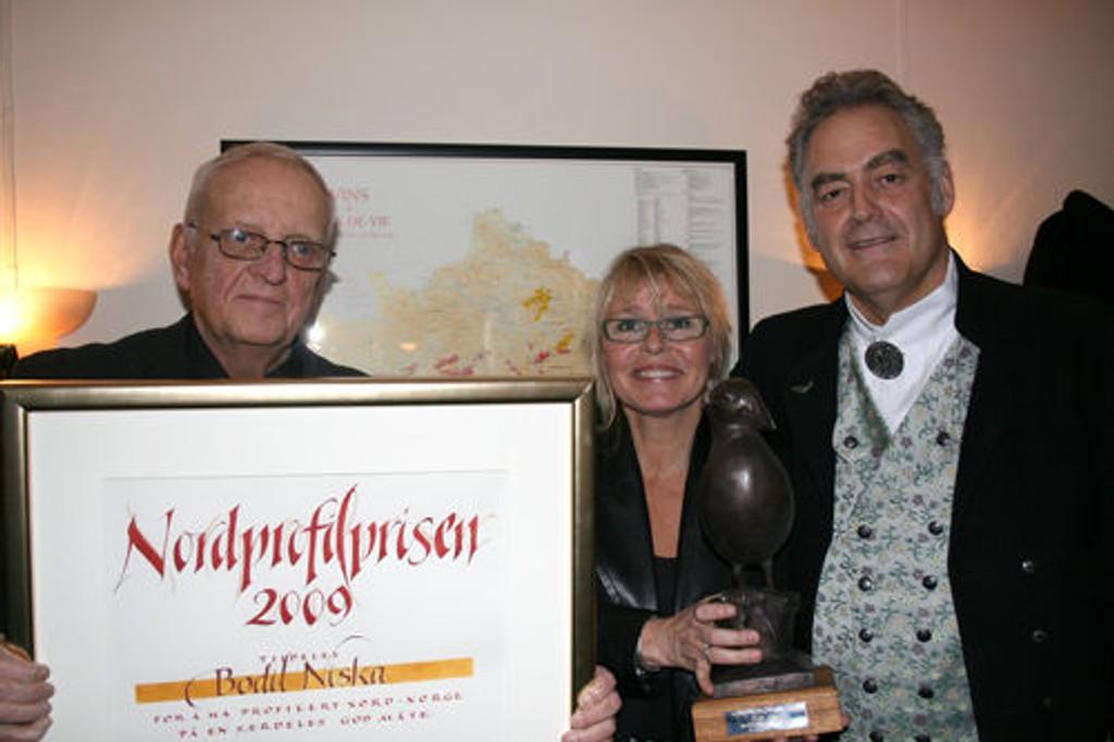 Jazzmusiker Egil Kappstad overrakte Nordprofilprisen 2009 til Bodil Niska.