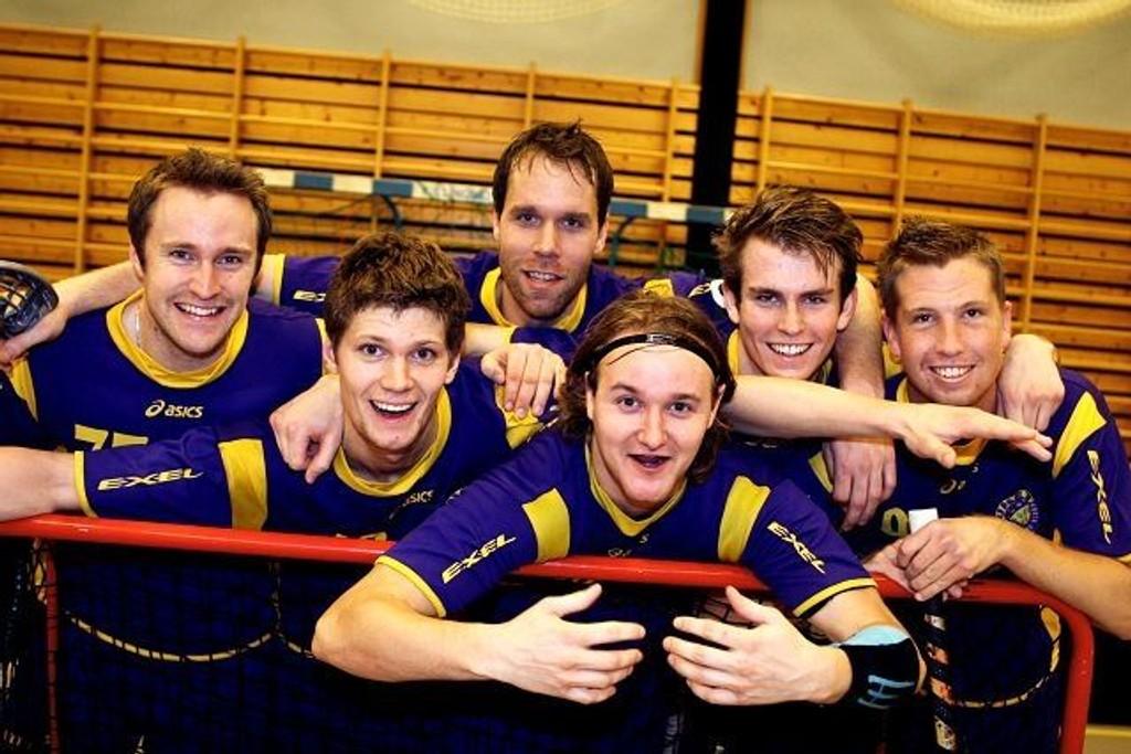 Fra vesntre Lars Harald Eide, Max Andersson, Trond Ringwall, Thomas Rognlien, Henning Larsson og Thomas Ihle.