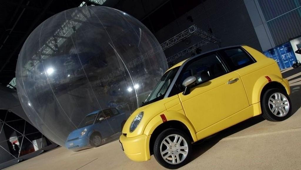 EN KLIMABOBLE? Er elbilen kun en boble i et større miljøperspektiv hvor det i det lange løp faktisk vil være vesentlig billigere å kjøpe klimakvoter? På bildet den norske elbilen Think City.