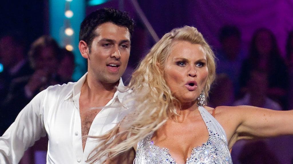 Mia og Glenn Jørgen skal danse samme dans som de gjorde i det aller første programmet. Da ble hun belønnet med 26 poeng fra dommerne.
