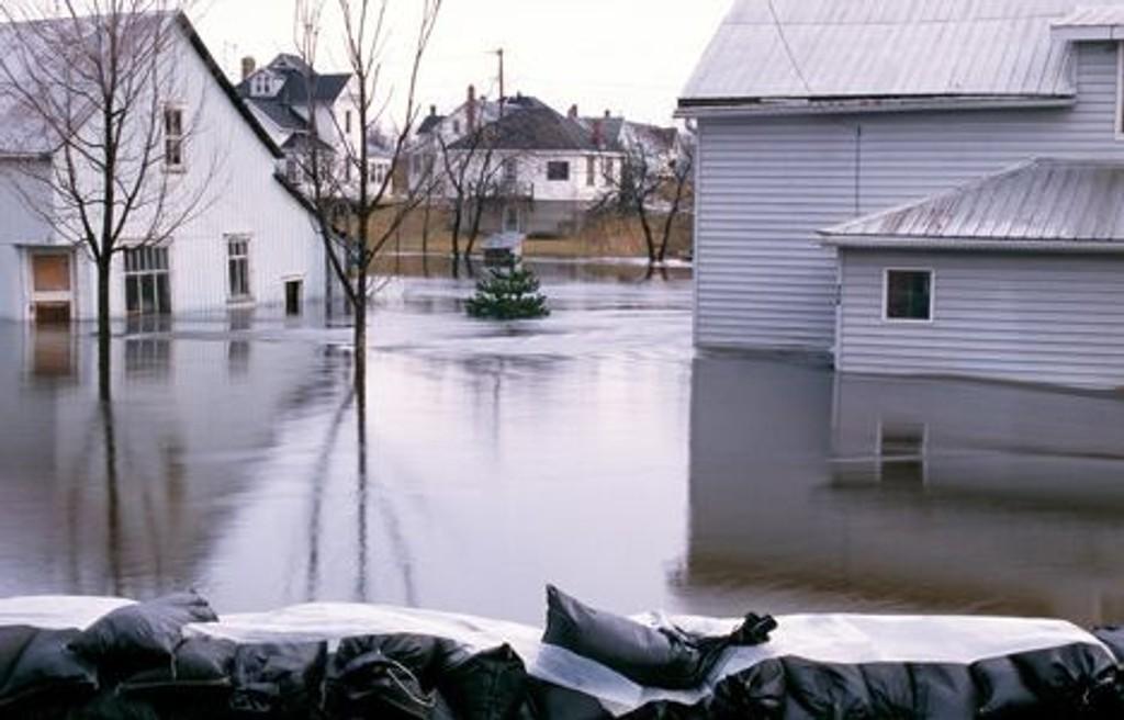 VÆR SOM VERST: Flommer og oversvømmelser kommer hyppigere nå som klimaet er i endring.
