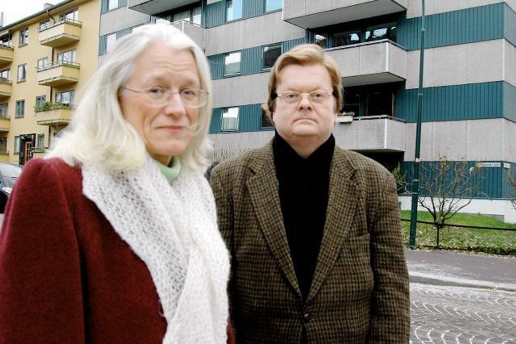 Rudolph Brynn har engasjert seg i kampen mot opphevelse av husleiereguleringen. Her sammen med Anne Helset, lederen for aksjonsgruppen mot opphevelse. FOTO: Anne Marie Huck