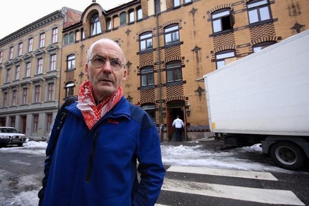 """Erling Folkvord (Rødt) mener kommunen fører en """"hushai-politikk"""". Han forstår godt at Boligbygg sine leietakere er frustrert."""