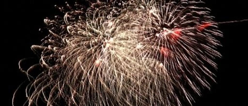 Nyttårsaften fyrer Friluftsetaten av raketter til offentlig skue, og lover mer futt, fart og lys enn i fjor. Men det koster.