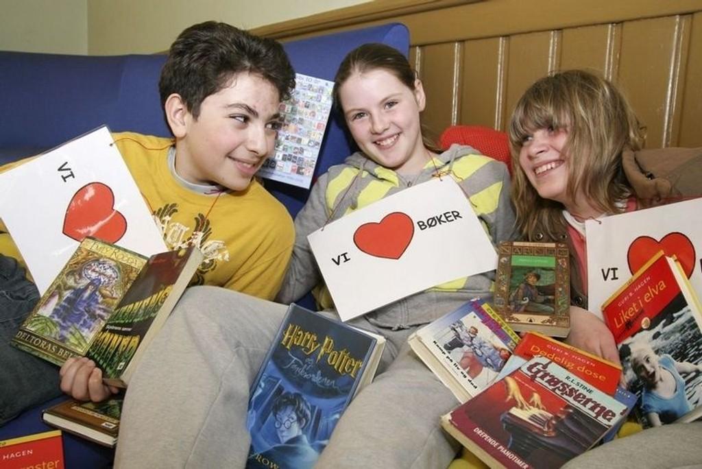 Mohammed Elfarri, Milica Milicic og Hannah Figenschou Johansen fra Sagene er veldig glad i bøker. Nå ønsker Deichmanske dine historier.