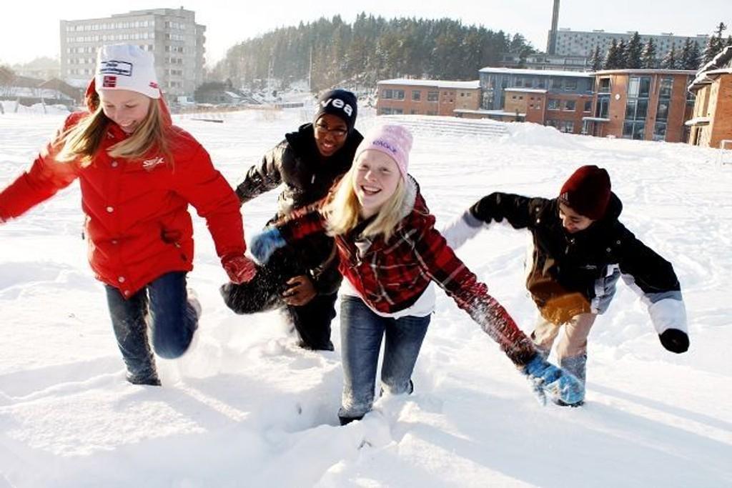 12-åringene Kristin Brekke, Mubarik Jibril, Thea Jørgine Groven Lindtveit og Omar Rana vil ta det nye året med storm.