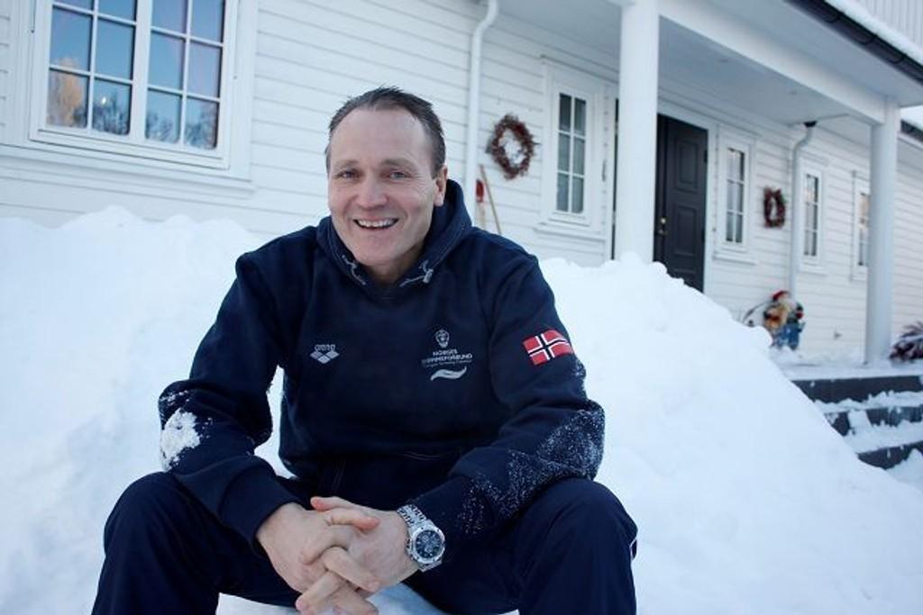 Vanligvis er Petter Løvberg å finne i en annen form av snø – nemlig vann. Lørdag kan han få prisen som «Årets trener» under Idrettsgallaen 2010. Foto: Carina Alice Bredesen