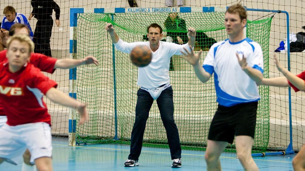 Carsten Skjelbreid under bedriftshåndballkamp mot NRK, 05.05.2010.