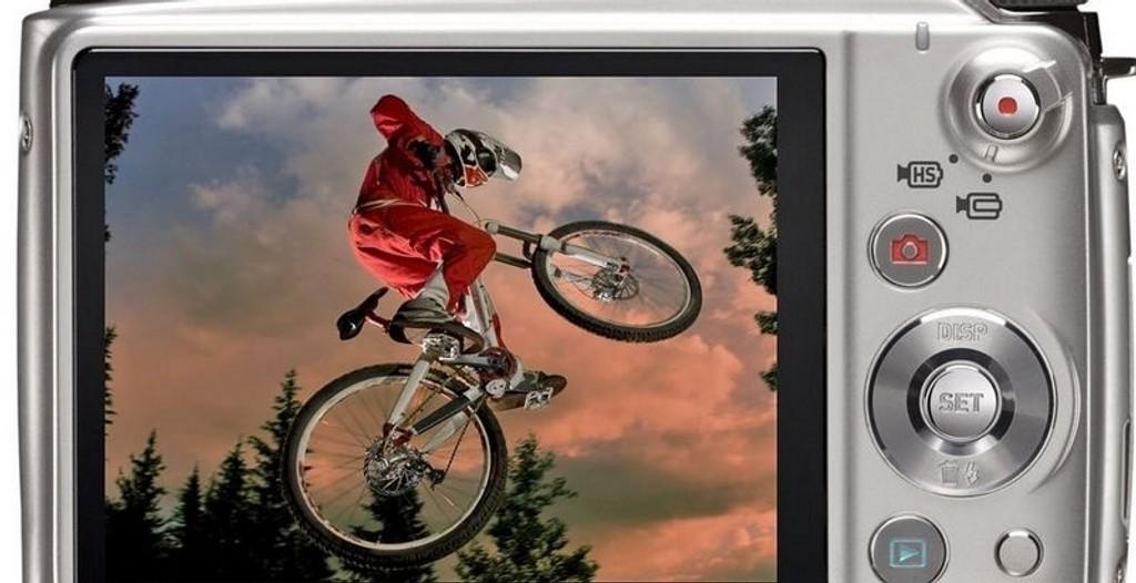 ACTION: Kanskje er Casio EX-FH100 et perfekt kamera for actionbilder - i kompakt størrelse.