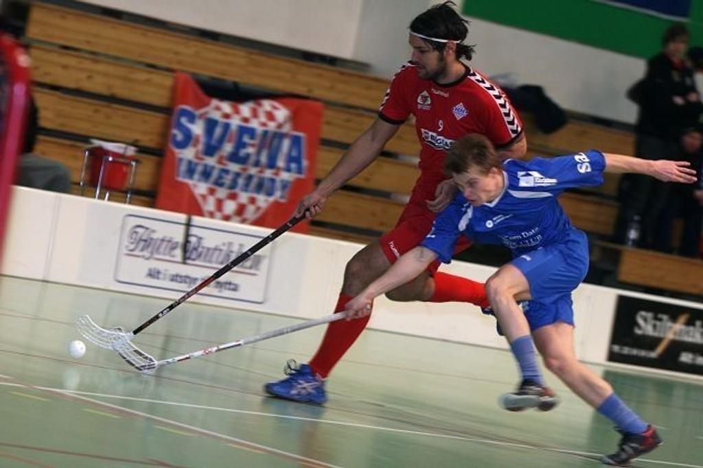 God og sterk: Svenske Marcus Gustavsson gjør en bra jobb for Sveiva, og mot Sarpsborg scoret han to mål.
