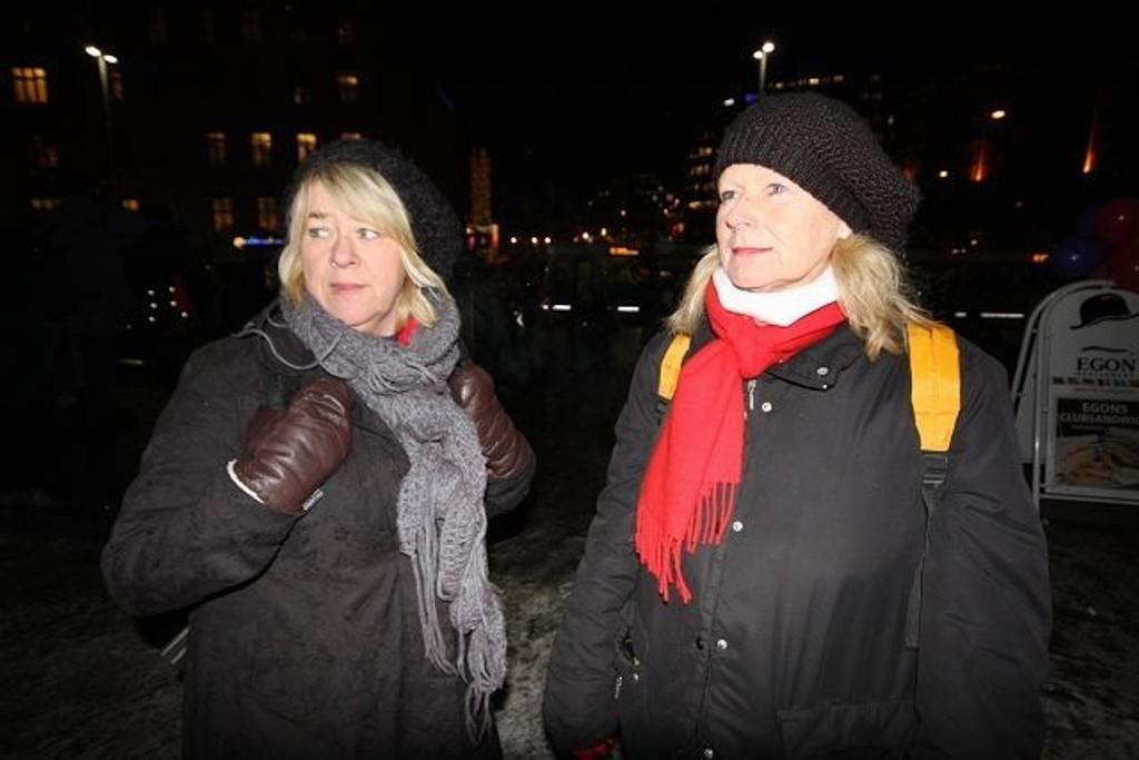 Anne Harviken (t.v.) og Torhild Breidablikk i Fransiskushjelpen møter gatefolket der de er.