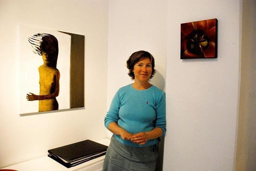 Elisabeth Ramfjord lager galleri-tv. FOTO: ELLEN RØNNING