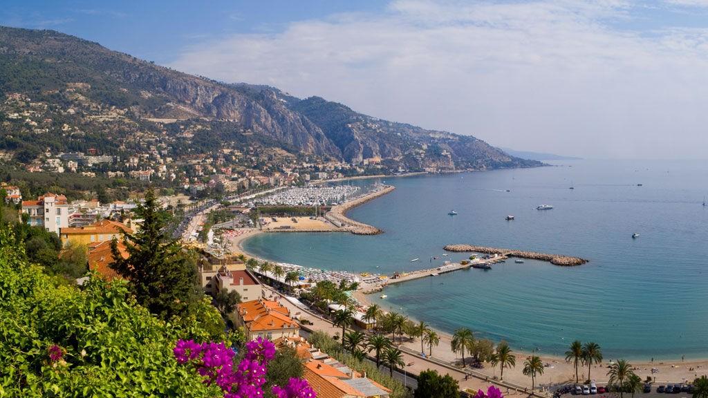Kun 30 minutter med tog fra Nice ligger idylliske Menton som er både barnevennlig og rimelig.