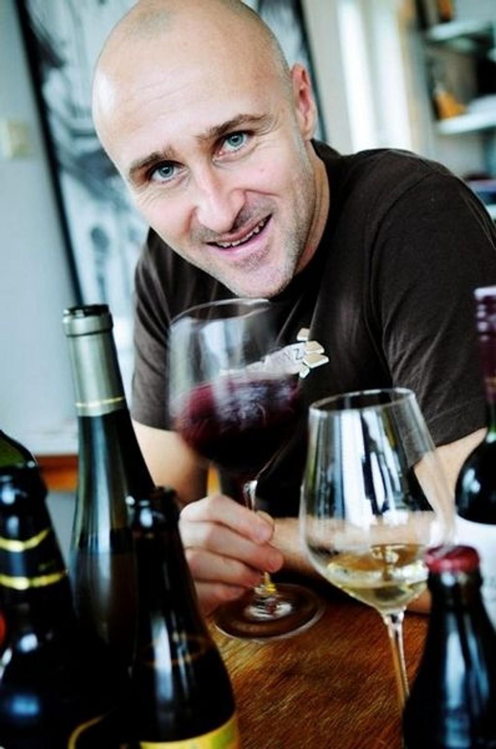 "EKSPERT: Ole Martin Alfsen er vinkelner og fagansvarlig for mat og drikke ved Kulinarisk Akademi. Ansvarlig for vinkelnerutdannelsen i Norge. Du ser ham også som ekspert i ""4 stjerners middag"" på TVNorge. (FOTO: Tore Sandberg)"