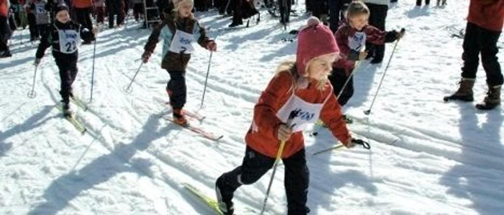 I år kan bli siste året med det tradisjonelle barneskirennet på jordene i Husebyskogen.