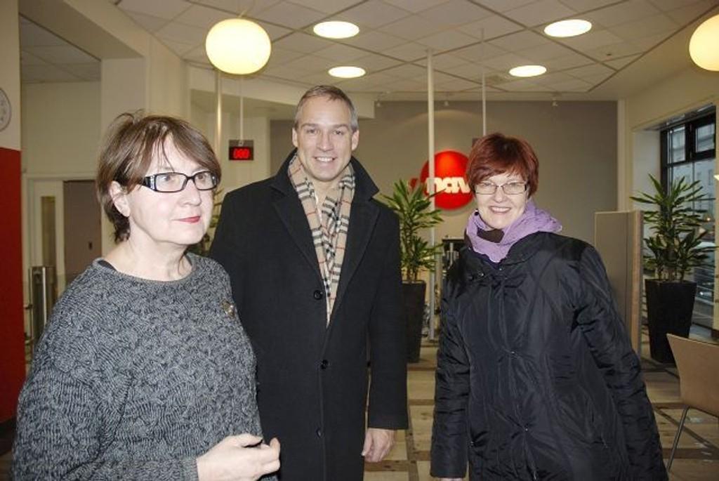 Spesialkonsulent i NAV Angelika Von Waechter sammen med Krf- politiker Hans Olav Syversen og varaordfører Aud Kvalbein.(Krf) Foto: Anne Marie Huck Quaye