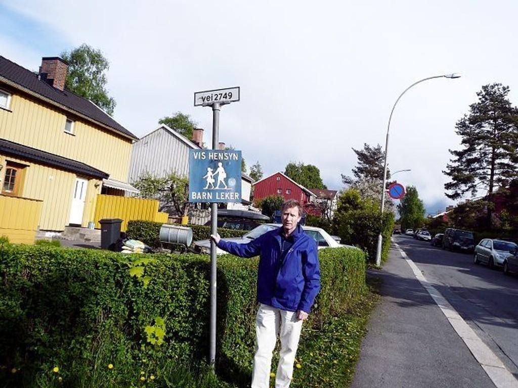 Dag Jarnøy i Bekkelaget Lokalhistoriske forening foreslo for flere år siden at Vei 2749 bør hete Anne Brannfjelds vei. Arkitvfoto: Privat