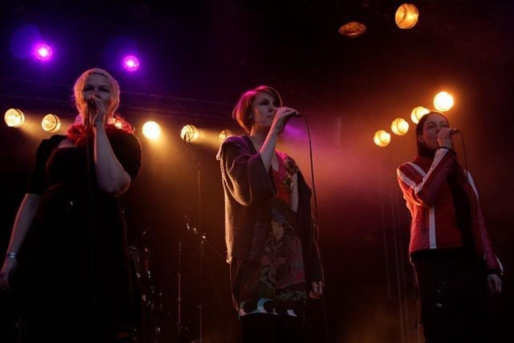 Eplemøya songlag kunne by publikum på noe litt annerledes. FOTO: MAREN BLESKESTAD THORSEN