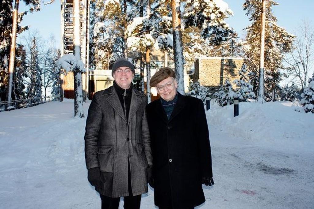 Kirkeforvalter Anders Backer-Grøndahl Eide og prost Tore Kopperud i Søndre Aker prosti. Foto: Aina Moberg