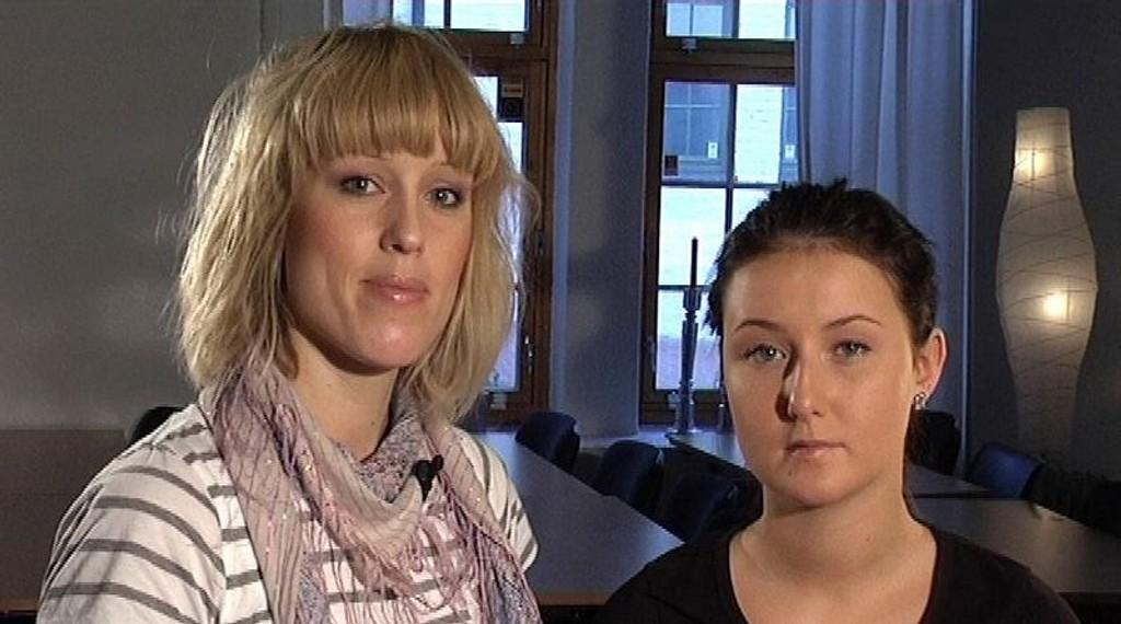 SMINKE: Kvinneguidens makeupekspert Mette Langseth viser deg hvordan du gjør det.