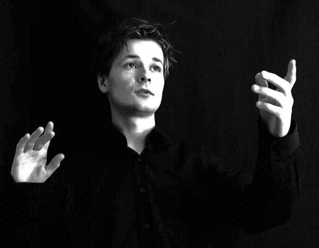 Som kunstnerisk leder og dirigent for Oslo Kammerkor skaper Håkon Daniel Nystedt musikk som er god for øret.