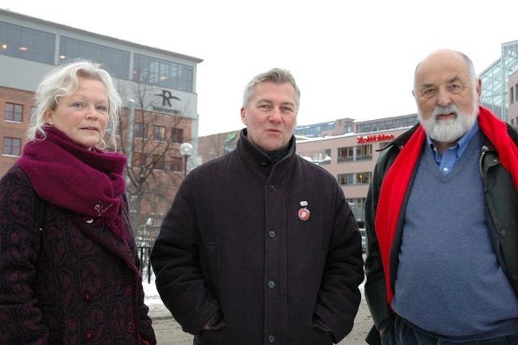 SV, Fremskrittspartiet og Høyre, her ved Heidi Rømming, Jan Tank-Nielsen og Hermann Kopp, stemte for signaltårn og trafikkfritt torg i Nydalen. Arkivfoto: Karl Andreas Kjelstrup