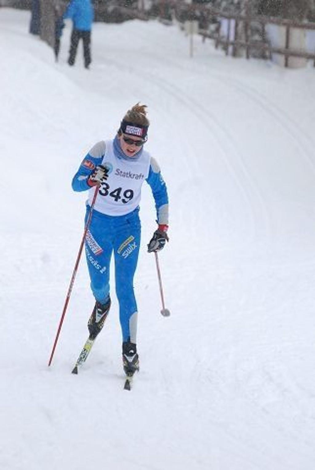 Ellinor Høgberg gikk så det suste i løypene i Bærum, og da ble det også gull i jenter 13.