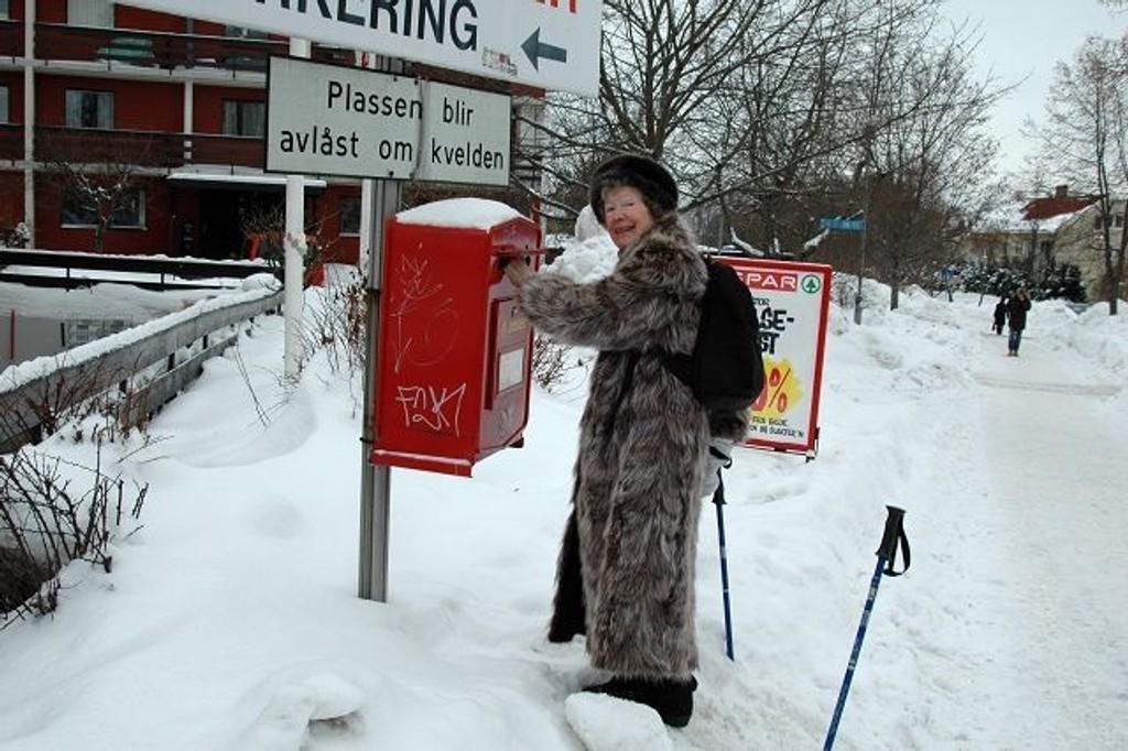 Inger Arnesen falt på siden i et forsøk på å poste brev denne uken.Foto:Ivar Brynildsen
