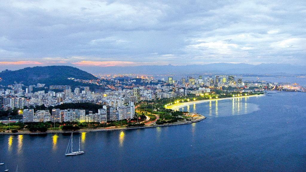 Få innseilinger er så spektakulære som den inn til Rio de Janeiro.