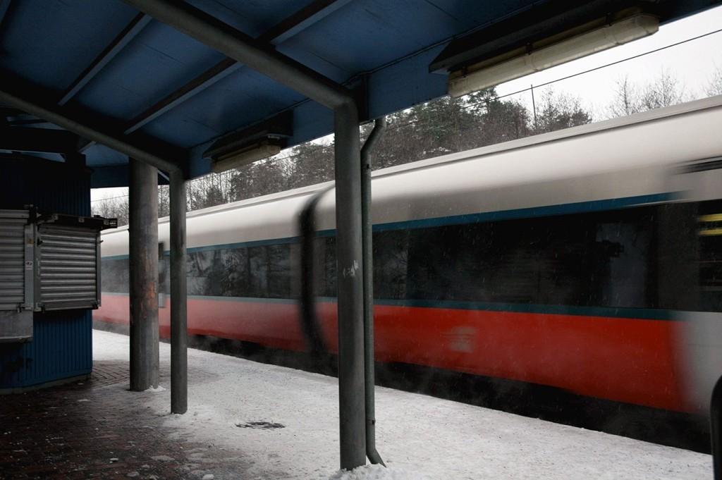 Det skal legges nytt dobbeltspor til Ski, og mange håper på bedre trafikkavvikling enn i vinter.