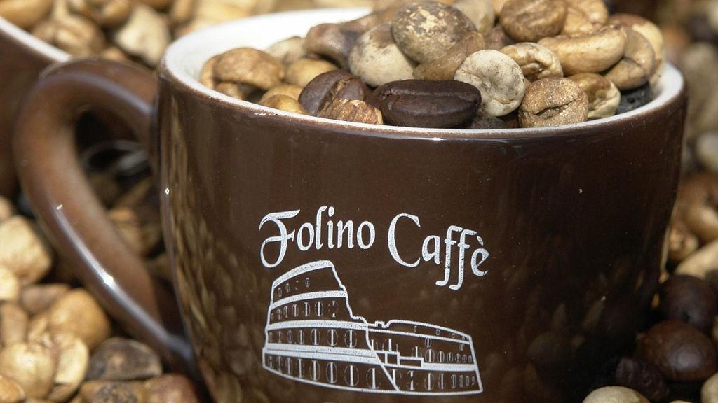 Det første kaffehuset i Europa åpnet selvsagt i Italia, nærmere bestemt Venezia.