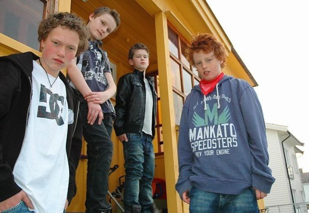 Bendik Brandal Erlandsen (13), Jacob Øyre Gundersen (12), Sondre Semmingsen (13) og Peder Opland (13). Foto: Karl Andreas Kjelstrup