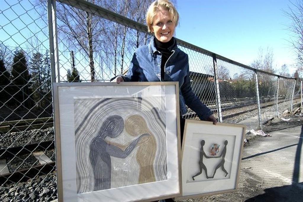 Elsbeth Monsen drømmer om en forstørrelse av bildene sammen med bruk av tau. FOTO: ELISABETH C. WANG
