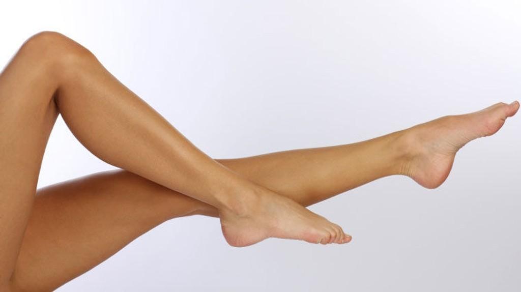 Sjekk tipsene for hvordan du enklest og billigst mulig får silkemyke legger