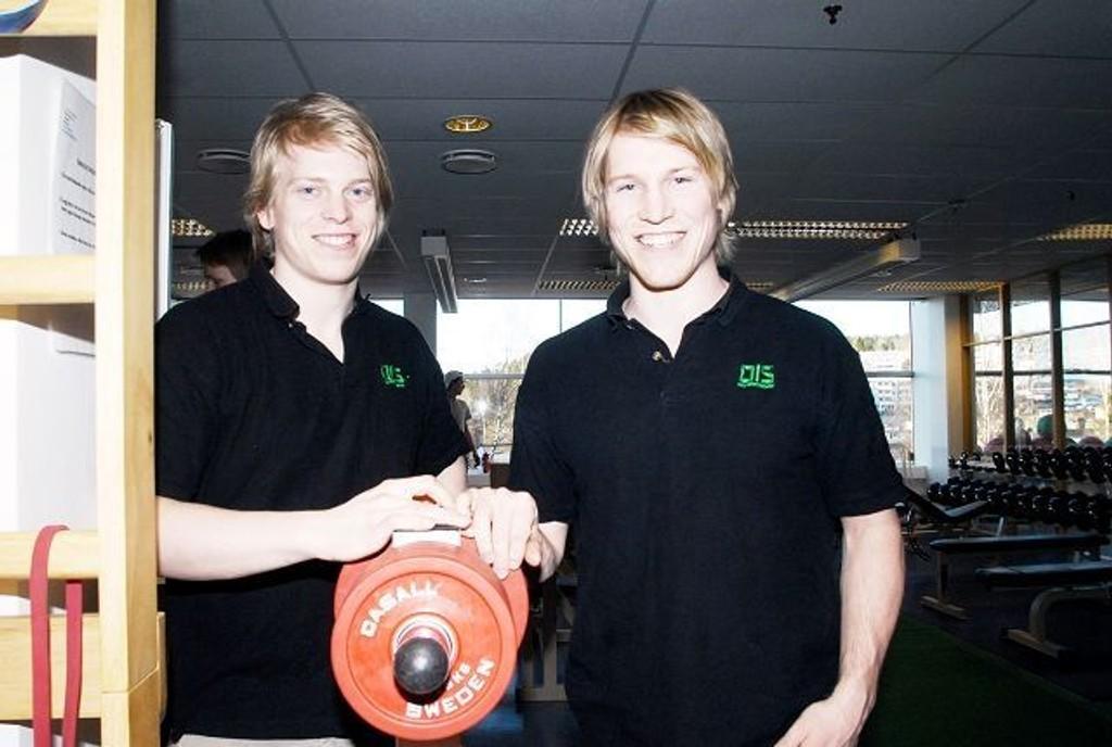 Hockeybrødrene Ken André (t.v.) og Mathis Olimb håper å spille for Norge i VM i Tyskland.