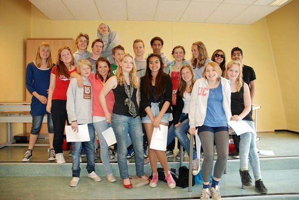 Denne gjengen fra Ila skole lover å gi alt i oppsetningen av Peter Pan. Det blir musikal med Michal Jackson sanger. Foto: Anne Marie Huck Quaye