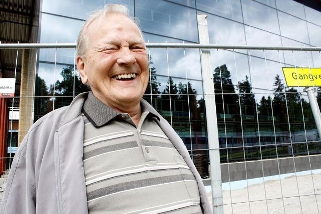Edgar Sørensen gleder seg til åpningen av nye Symra. – Det blir nok noen turer ja, forteller den livsglade pensjonisten. Foto: Kristin Trosvik