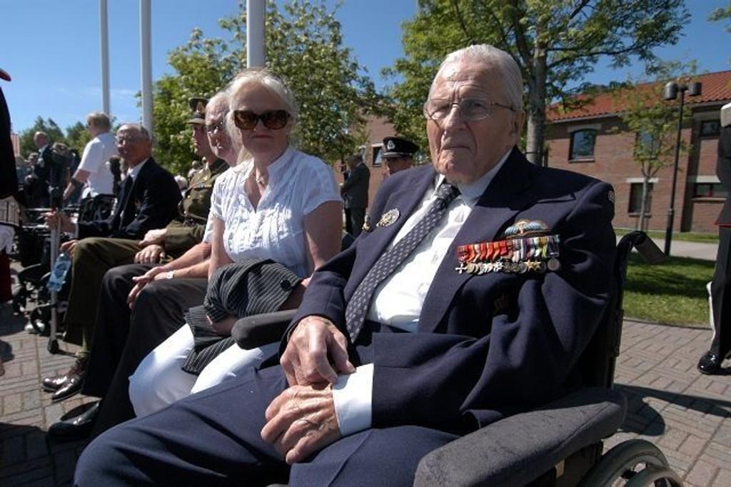 Hugo C. Munthe-Kaas hygget seg sammen med datter og svigersønn. FOTO: ELISABETH C. WANG