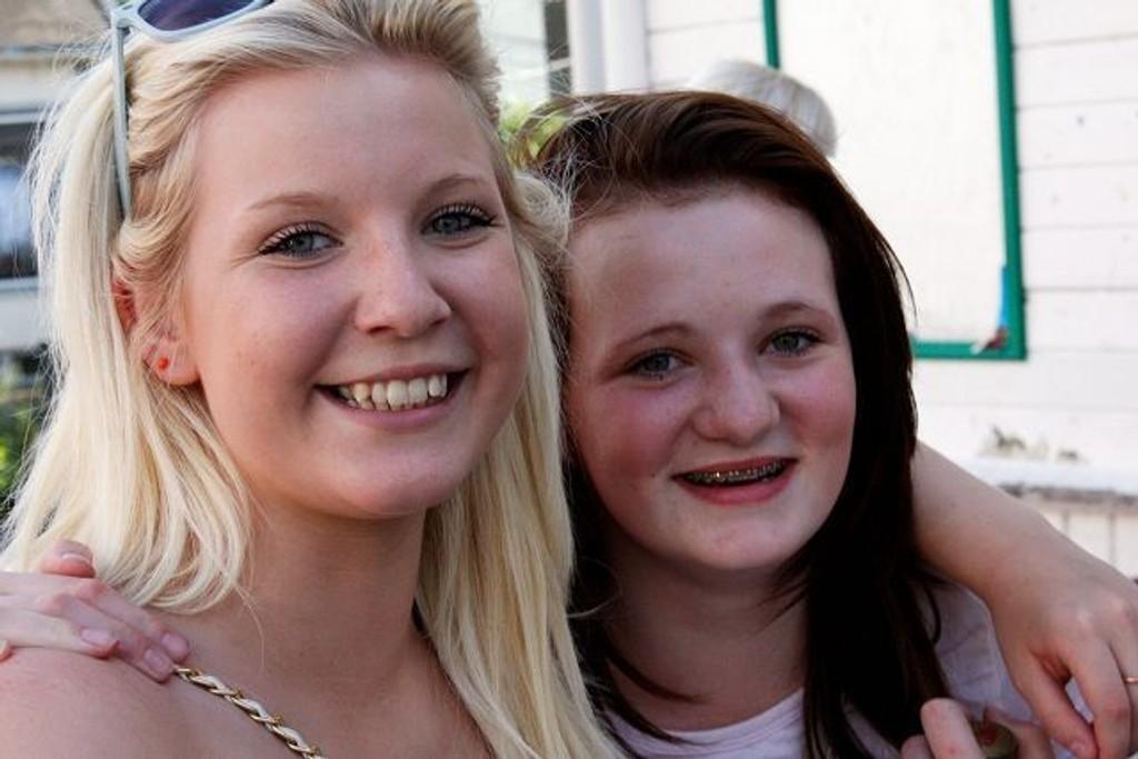 Melinda Mona Andersson og Amanda Sofie Carlsson har fartet rundt i Norge.