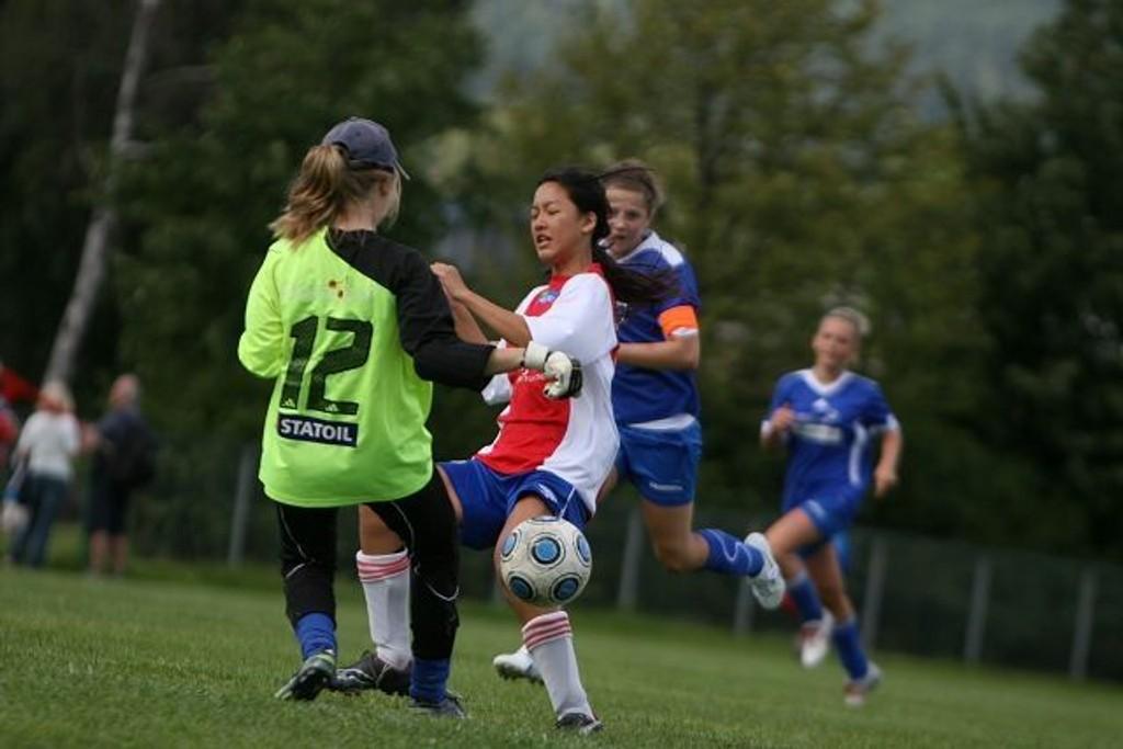 Mai Ngo var stadig på farten foran Lillehammers mål, og scoret også begge KFUM/Oslos mål.