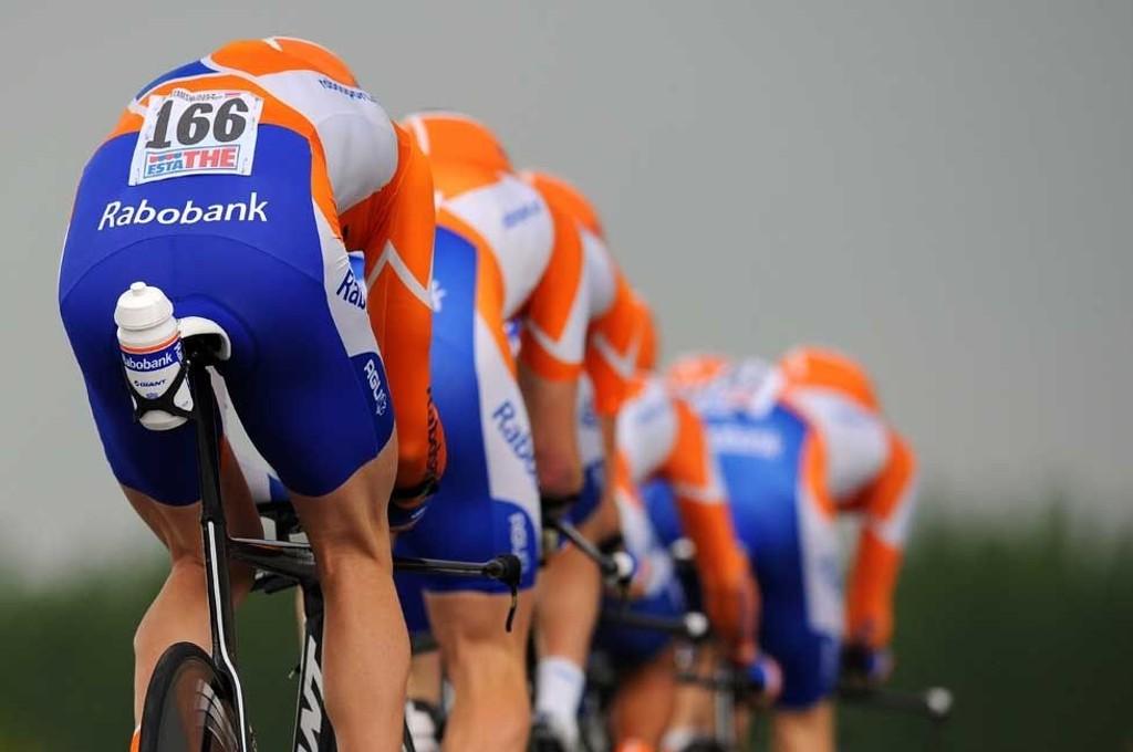 NEDERLANDSKE GJESS: Tom Stamsnijder (166) har fått en god start på årets Giro d'Italia, men det nederlandske ProTour-laget var ikke på sitt beste under onsdagens etappe.