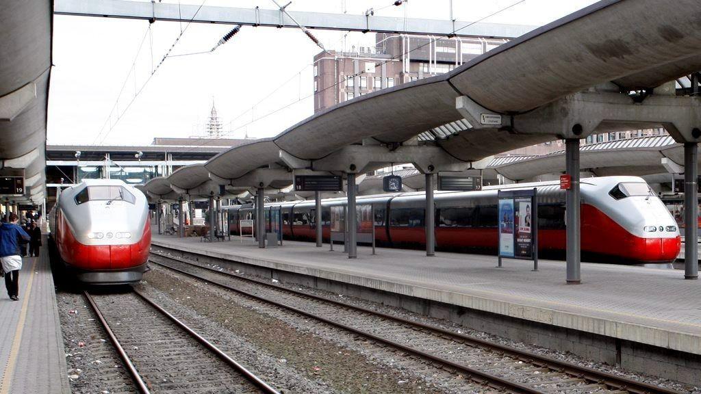 Strømskinne jernbane