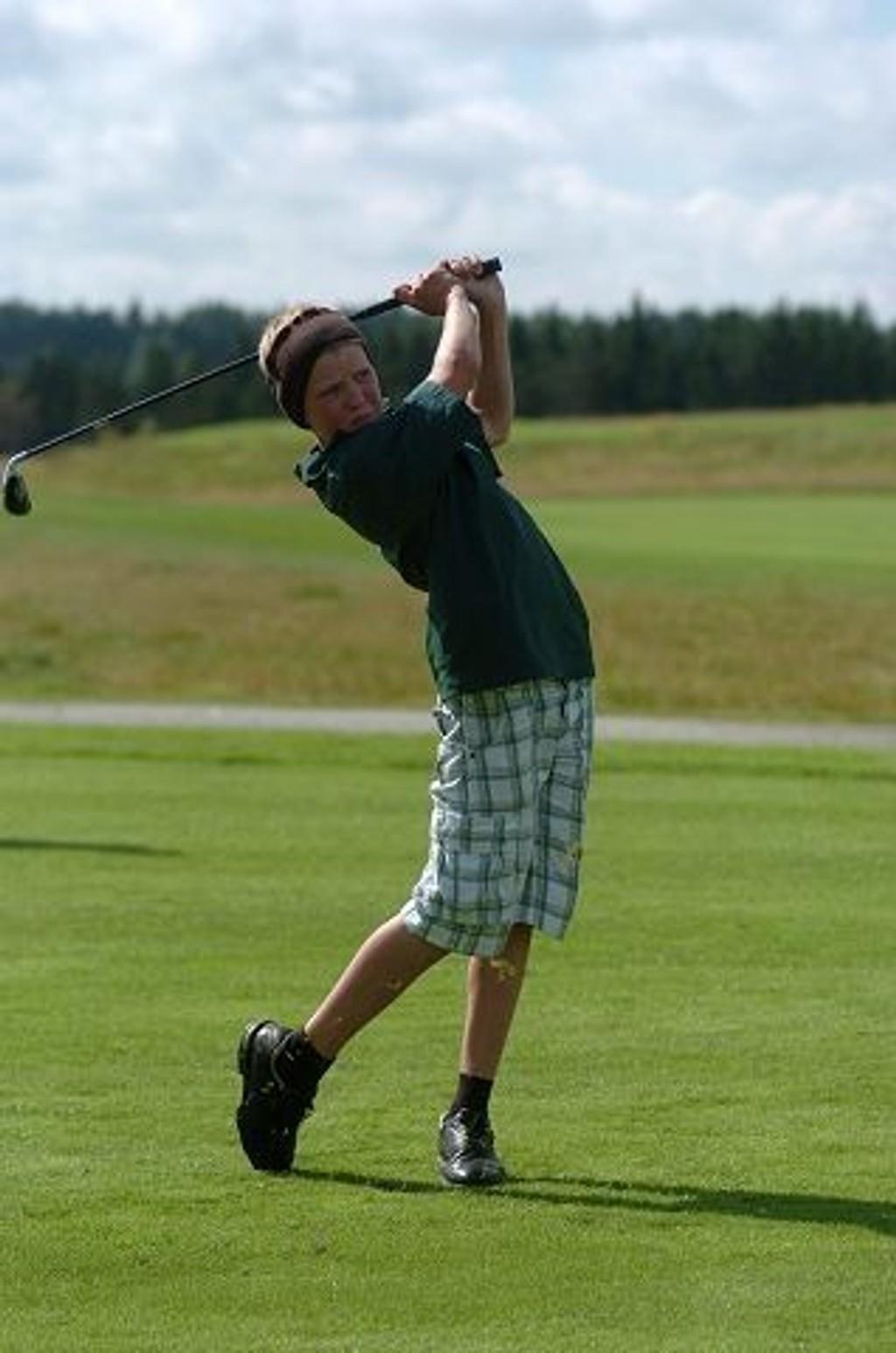 I sving: Peder Ditlev-Simonsen fra Oslo Golfklubb i sving på C-touren.Foto: Harald Stensdal